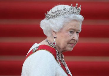 Daily News Briefing: Queen returns to duties - France suspends travel - UAE jabs 118,805 overnight