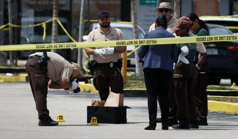 Florida shooting: at least 22 injured, two dead after three got out SUV and opened fire