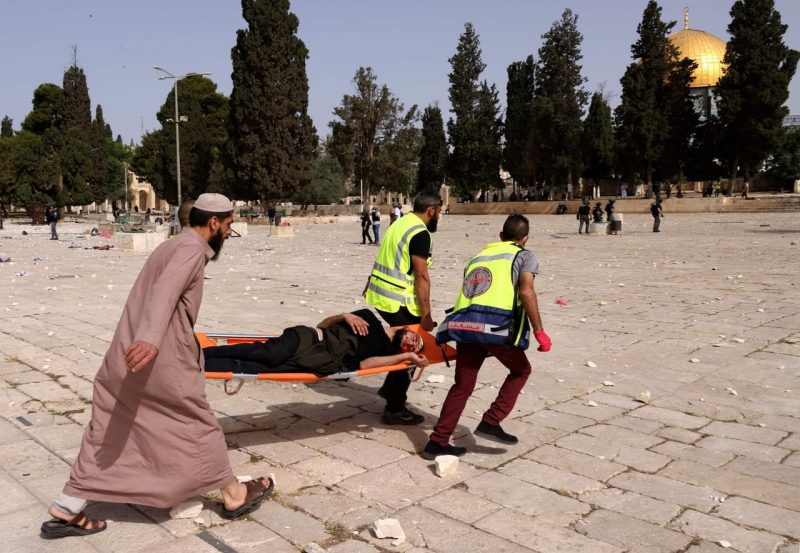 BREAKING: at least 215 wounded as Israeli forces raid Al-Aqsa compound