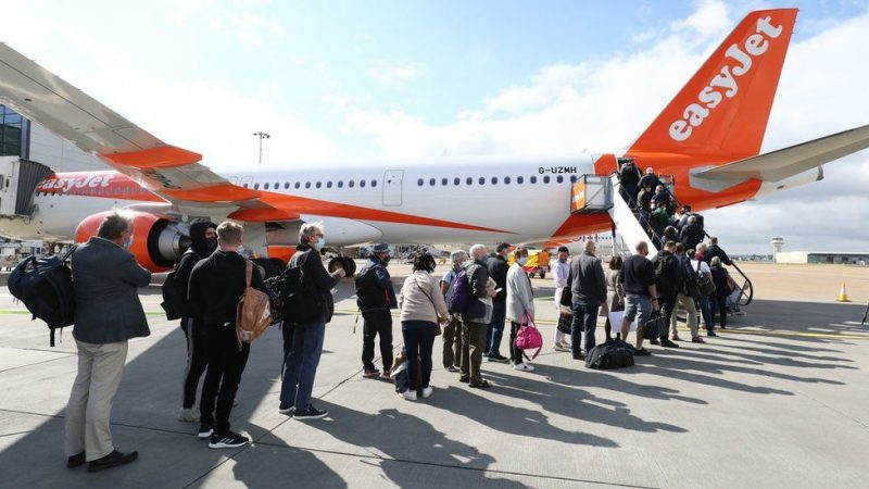 covid-19 Travel: Brits jet off on holiday, including amber list countries