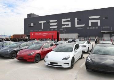 Tesla Stock Tumbles Below Key Level As Chinese Demand Crashes