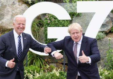 Boris Johnson urged to keep rules in place beyond 21 June