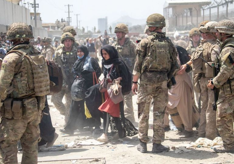 Brits told to avoid Kabul airport due to 'high' threat of terror attack