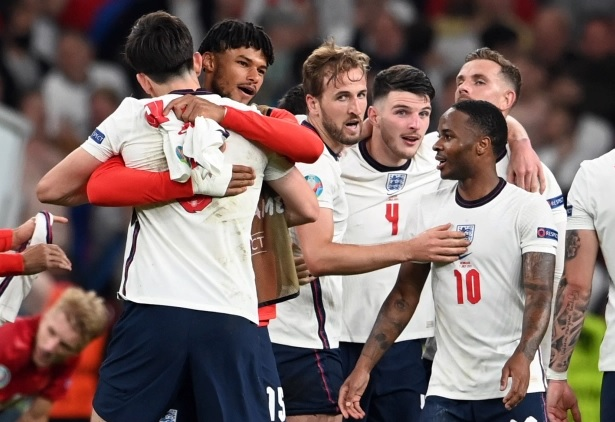 Tyrone Mings: England defender's mental health 'plummeted' in build-up to Euro 2020