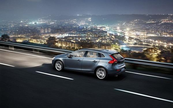 Volvo_V40_1