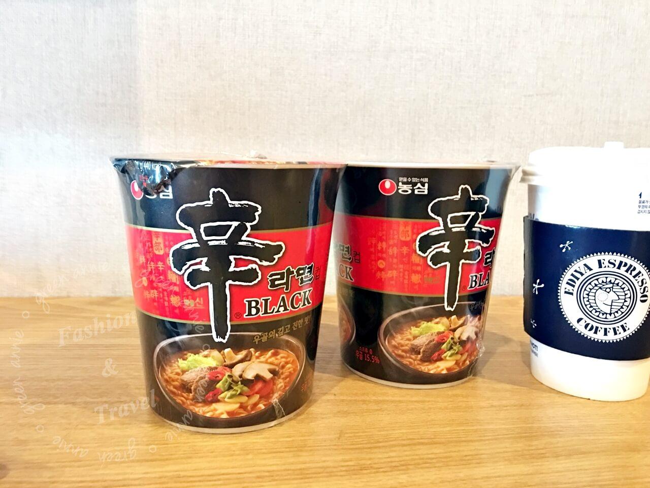 黑辛拉麵(牛骨濃湯風味),韓國限定,來韓國必吃的便利商店美食
