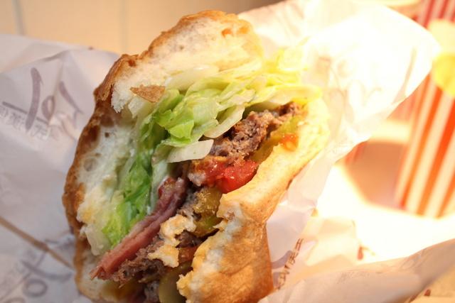 【安妮愛吃】501美式漢堡 @吳大妮。Annie