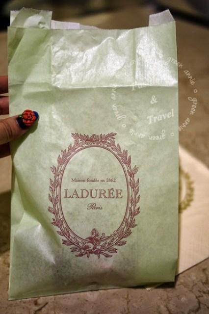 Laduree法國巴黎馬卡龍~前進台北微風(歇業) @吳大妮。Annie
