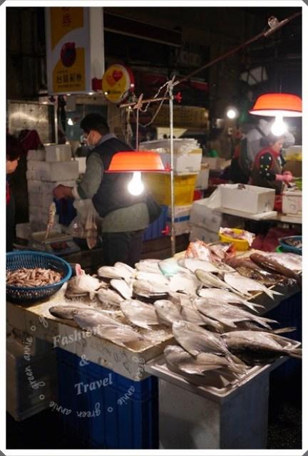 愈夜愈美麗~滿滿新鮮漁貨崁仔頂@基隆 @吳大妮。Annie