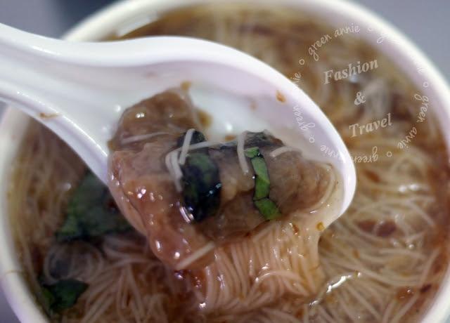 【台中美食】第五市場陳記蚵仔麵線~在地人推薦 @吳大妮。Annie