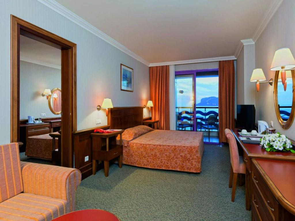 فنادق الانيا 5 نجوم