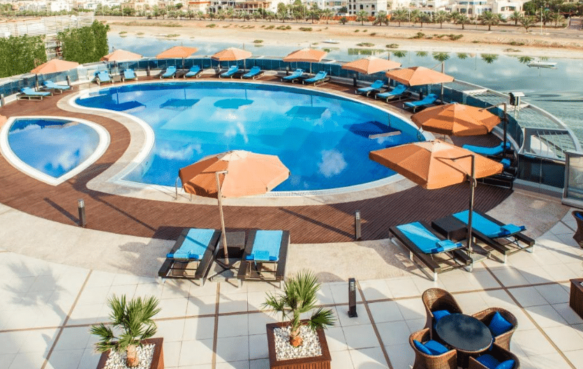 فنادق ابوظبي بمسبح خاص