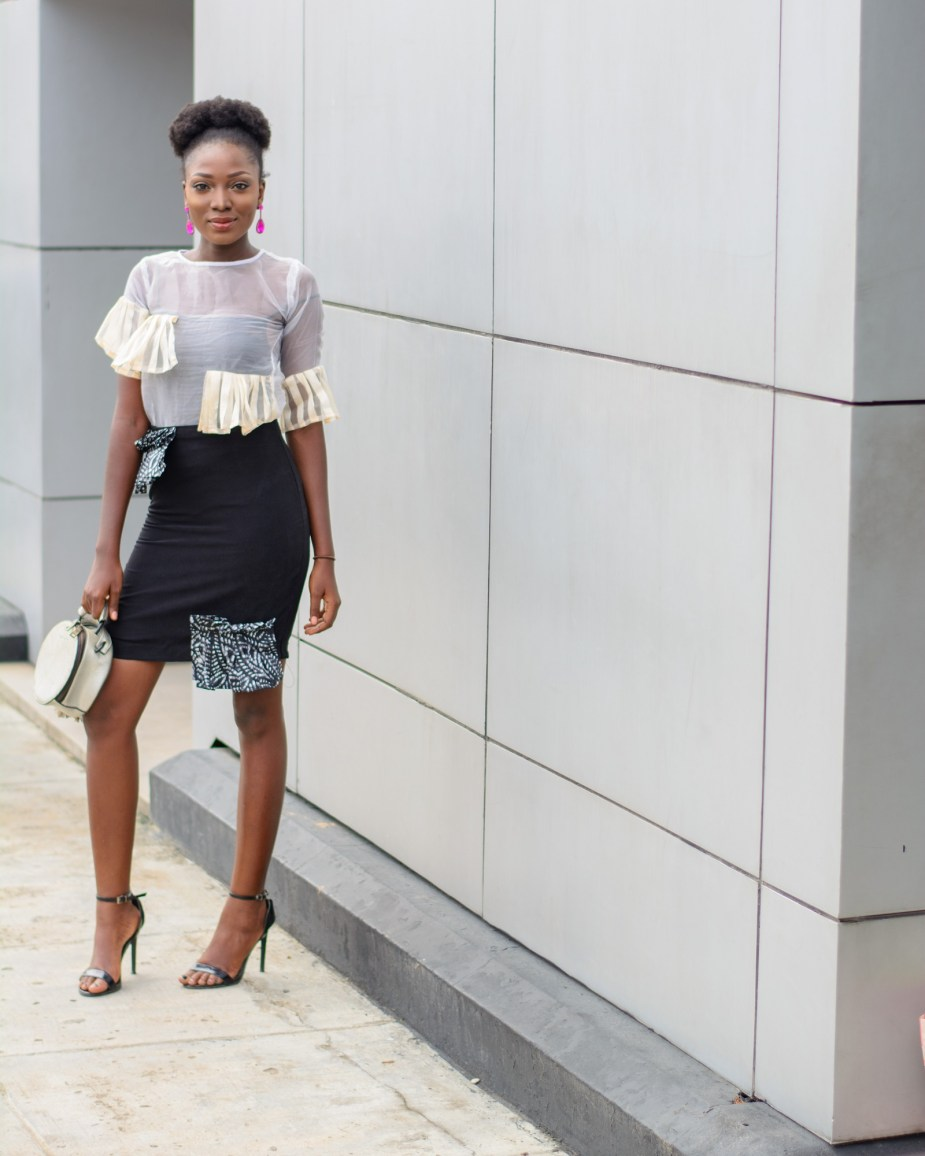 How To Wear Chic Minimalist Outfit To Work Nigerian Fashion Blogger Wumi Tuase in Naya Rose