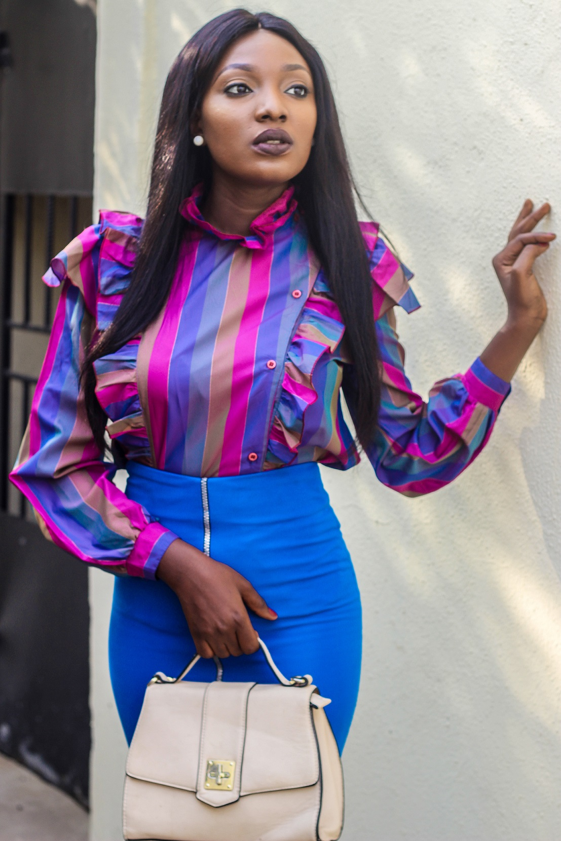 Nigerian Fashion Blogger Wumi Tuase in Frill Top & Pencil Skirt Corporate Work Outfit