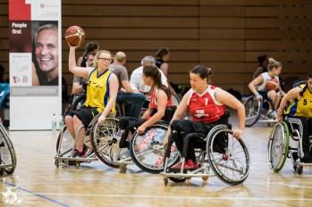 Hamburg gewinnt mit 31:54 gegen die Mädels aus NRW. Kuhberghalle Ulm, Deutschland.