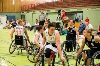 Die Damen aus den Niederlanden dominieren im Spiel 8 gegen die deutschen Damen und entscheiden mit 71:44 (HZ 42:18) für sich. Frankfurt, Skywheelers Dome