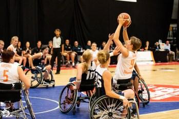 Die Orange Angels gewinnen das Spiel gegen das Team USA mit 65:46. Nieuwegein, NL