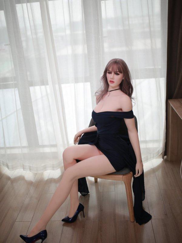 Charlotte Sexdoll 25