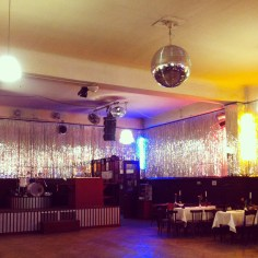 Clarchen Ballhaus Berlin - Wundertute