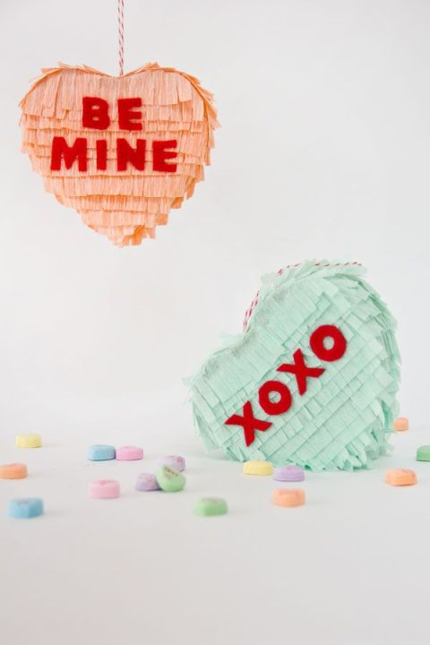 Studio DIY - Heart pinatas