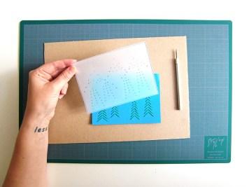 DIY-carte-postale-brodee-calque-wundertute