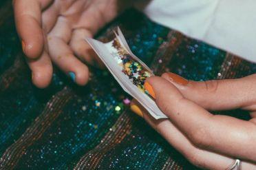 6 - glitter weed - wundertute
