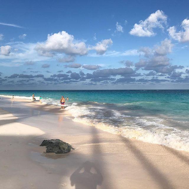 A beautiful walk on Elbow Beach. .....#travel #traveling #socialenvy  #vacation #visiting #instatravel #instago #instagood #trip #holiday #photooftheday #fun #travelling #tourism #tourist #instapassport #instatraveling #mytravelgram #travelgram #travelingram #igtravel  #ForeverBermuda#GoToBermuda#Bernews#BermudaDreaming#Paradise #photography