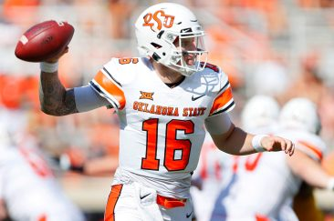 STILLWATER, OK - SEPTEMBER 26: Quarterback Shane Illingworth #16 of the Oklahoma State Cowboys throws against the West Virginia Mountaineers in the second quarter on September 26, 2020 at Boone Pickens Stadium in Stillwater, Oklahoma. (Pool Photo by Brian Bahr/Getty Images) EDITORIAL USE ONLY *** Local Caption *** Shane Illingworth