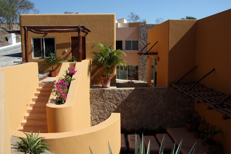 Cascadas De Manzanillo Partners With Wachovia To Provide