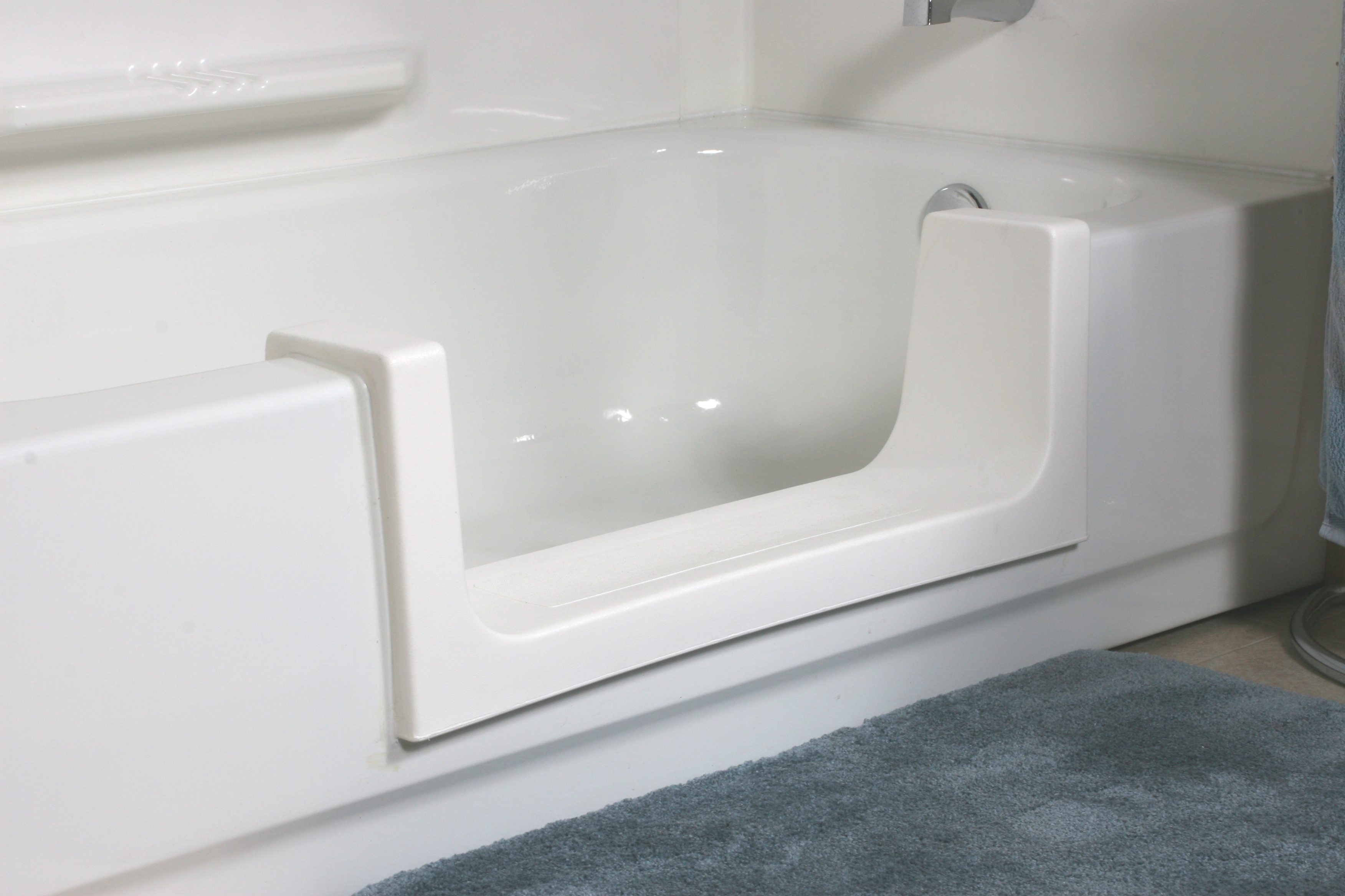 Safeway Tub Door Amp Safeway Step Provide Low Cost Aging In Place Solution For Easier Bathtub