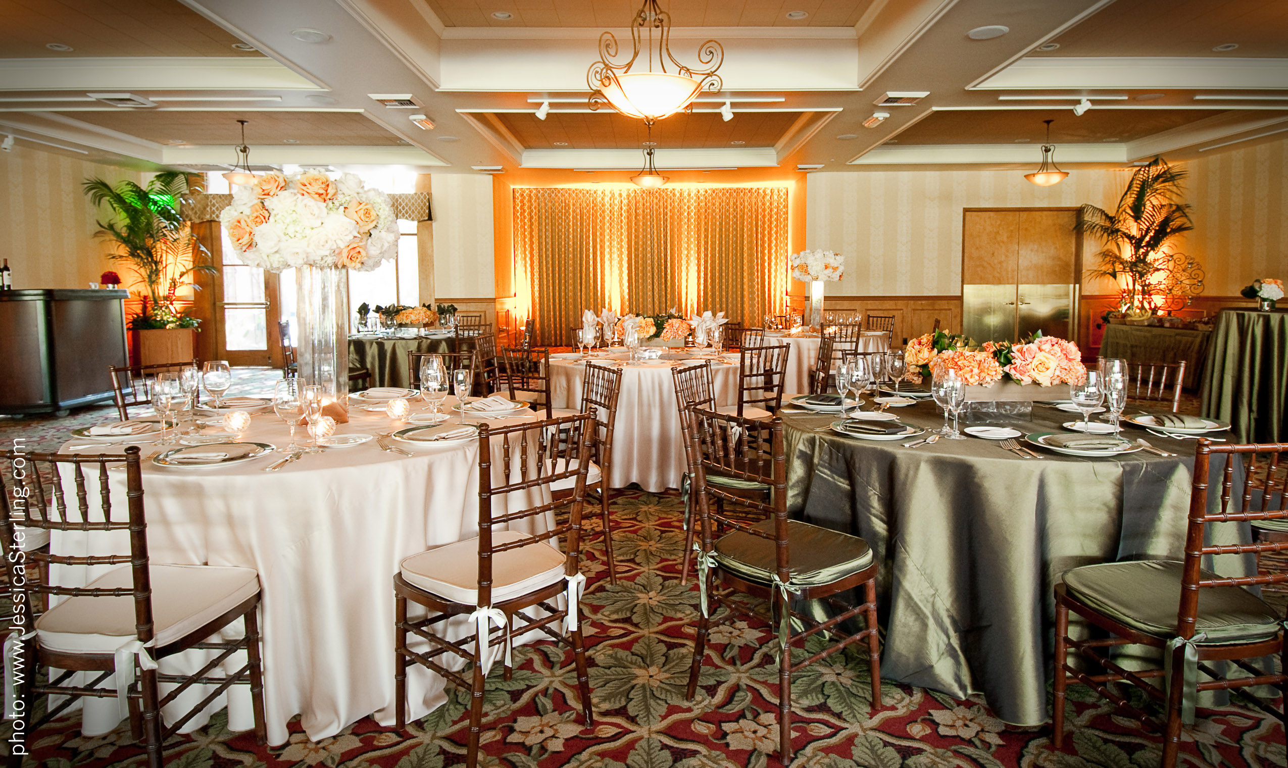 Oakmont Country Club Celebrates Its Banquet Room Renovation
