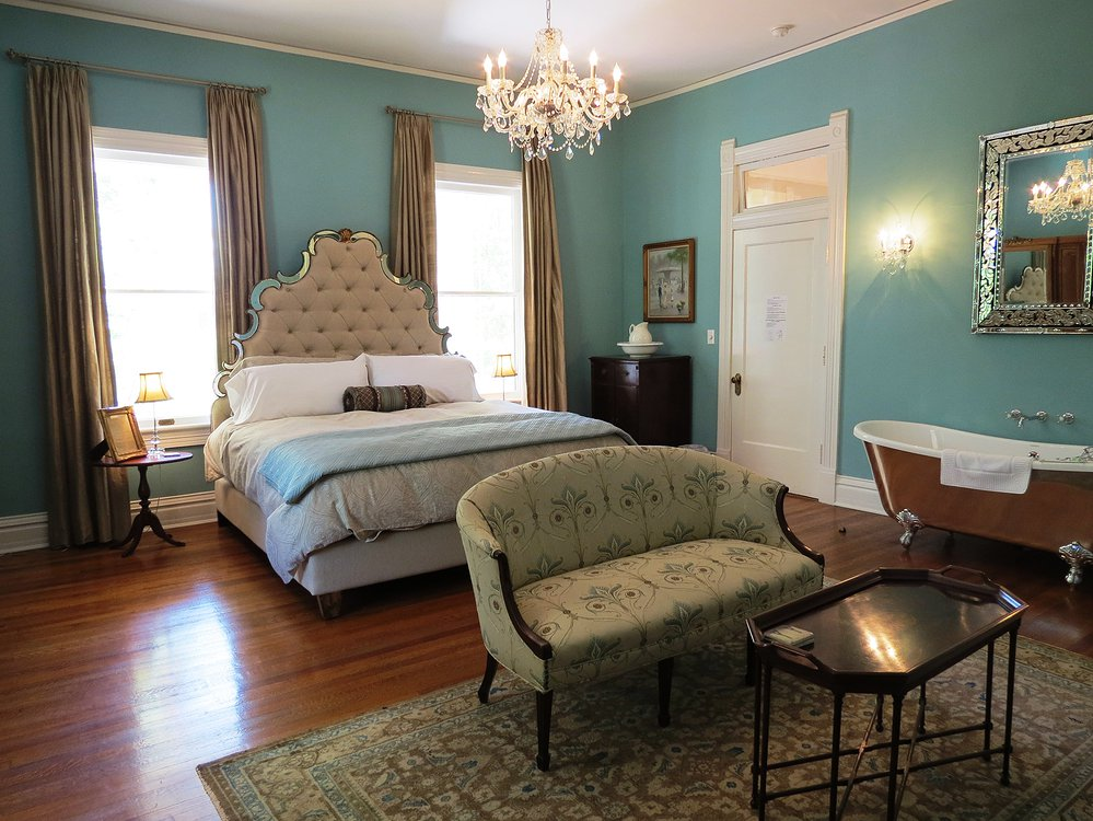The Twelve Oaks Bed And Breakfast The Inspiration For Its