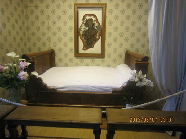 10月1日圣女婴孩耶稣小德兰