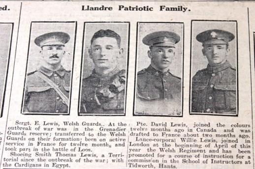 CN Llandre patriotic family