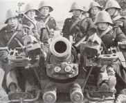 crew of a Danish anti-aircraft gun
