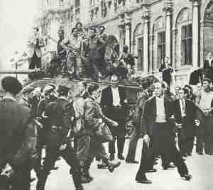 Capturing of German POWs in Paris 1944