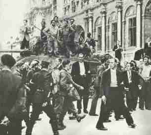 Capturing of German POWs in Paris 1944