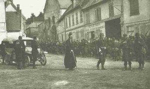 French infantry colum during battle of the Marne