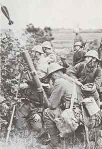 Exercise of a Dutch mortat team.