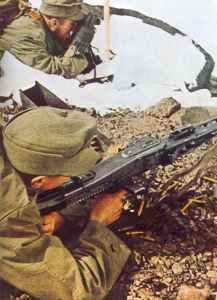 German mountain troops MG42 gunner