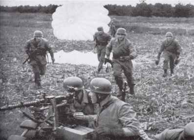 German Paratroopers during the air landings in Holland