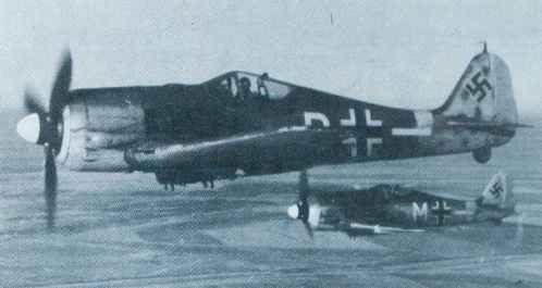 pair of Focke-Wulf Fw 190 G-3 extended-range fighter-bombers