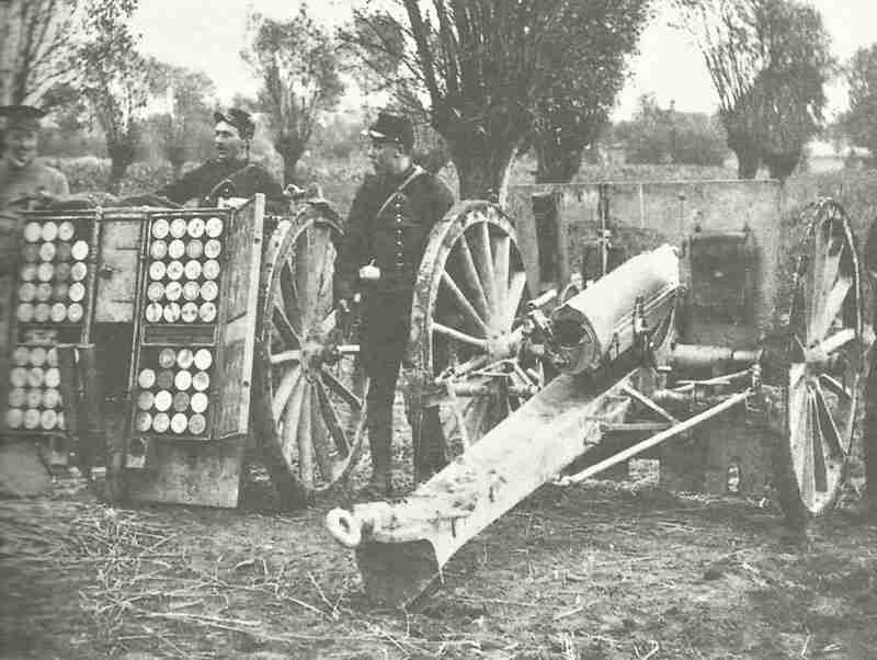 British officers with French 75mm gun