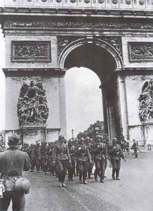 German soldiers Arc de Triomphe