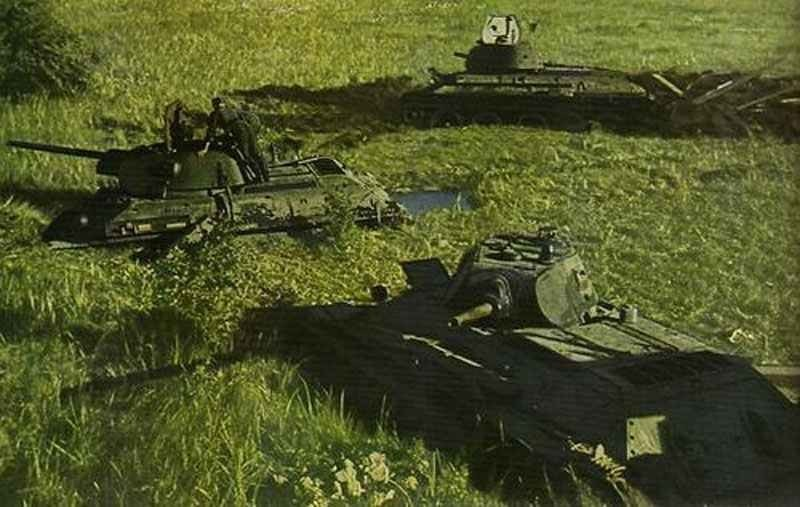Early T-34 tanks