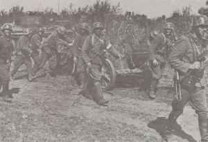 Hungarian troops manhandle a PAK38 50mm anti-tank gun