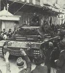 German tanks enter Salonikia
