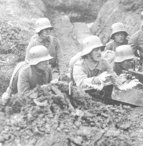 German machine-gun team