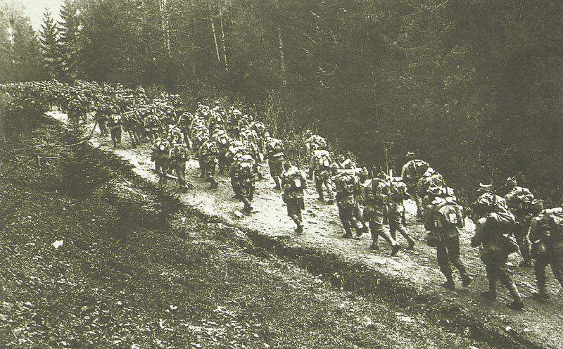 Romanian troops advance into Transylvania