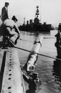 ussian submarine replenish torpedoes